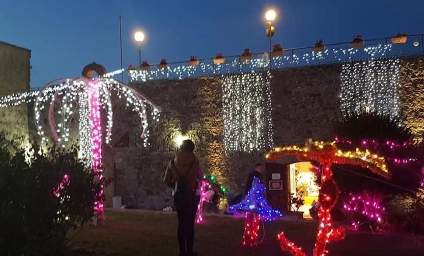 Agropoli | Natale delle Meraviglie tra mercatini, presepi, casa di Babbo Natale e concerto di AnnaTatangelo